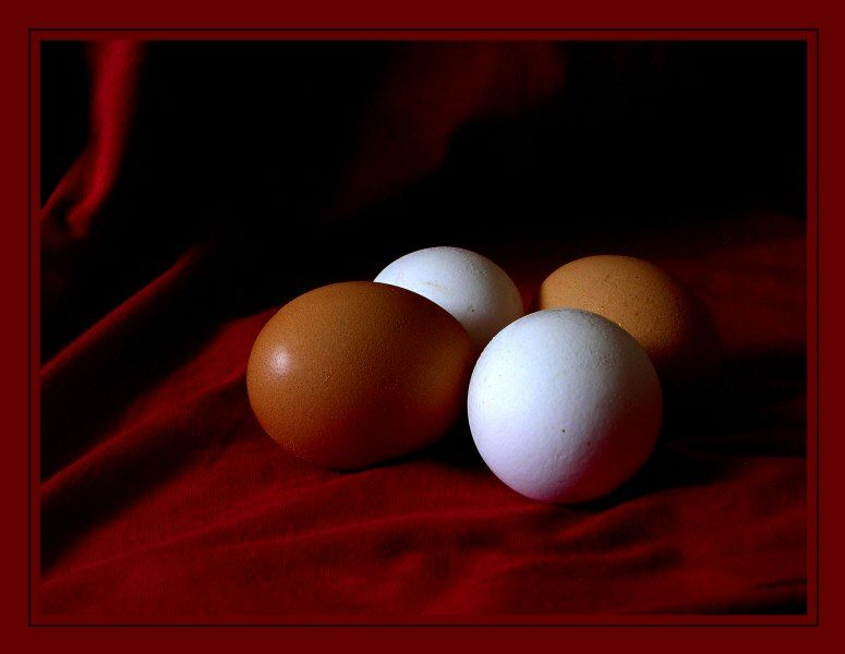 Eggs. On the red.